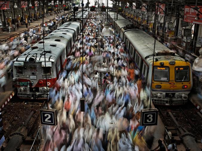 Churchgate Railway Station Mumbai.jpg